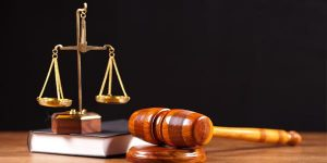 Адвокатские и юридические услуги